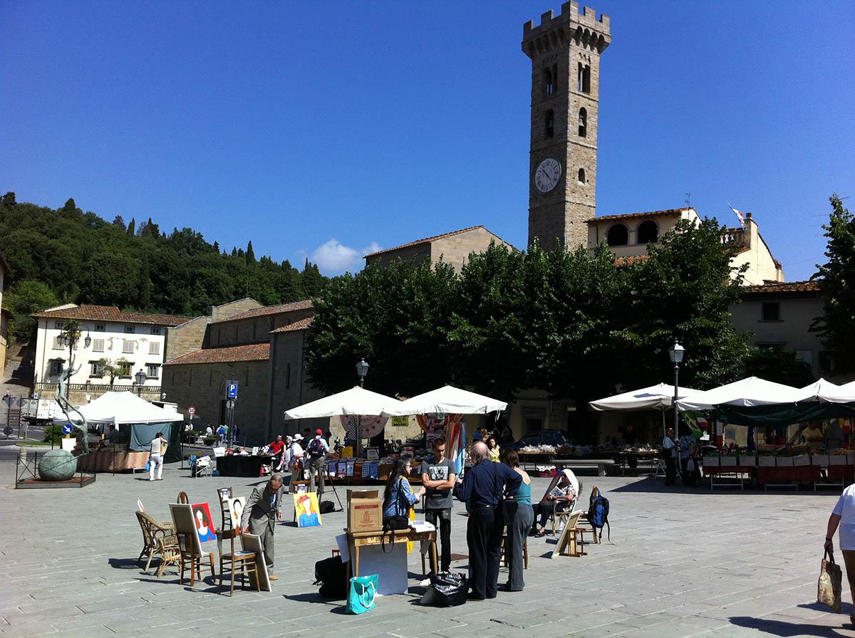 """Silvia Mantovani, giugno 2014, Fiesole. Piazza Mino, evento """"Porta la tua sedia"""" con Chille de la balanza"""